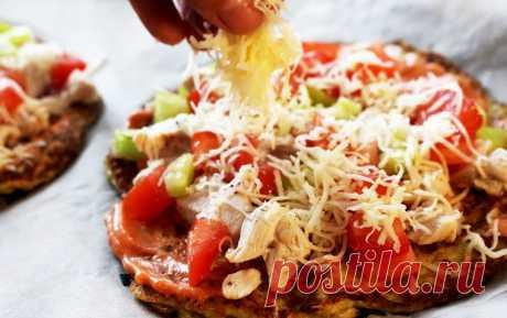 Диетическая пицца из кабачков с курицей