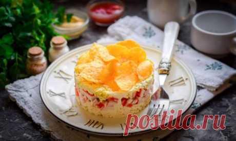 Салат Сырное Облако Рецепт за (10) Минут Салат сырное облако с крабовыми палочками и чипсами, готовится быстро за 10 минут. Салатик получается вкусным и красивым.