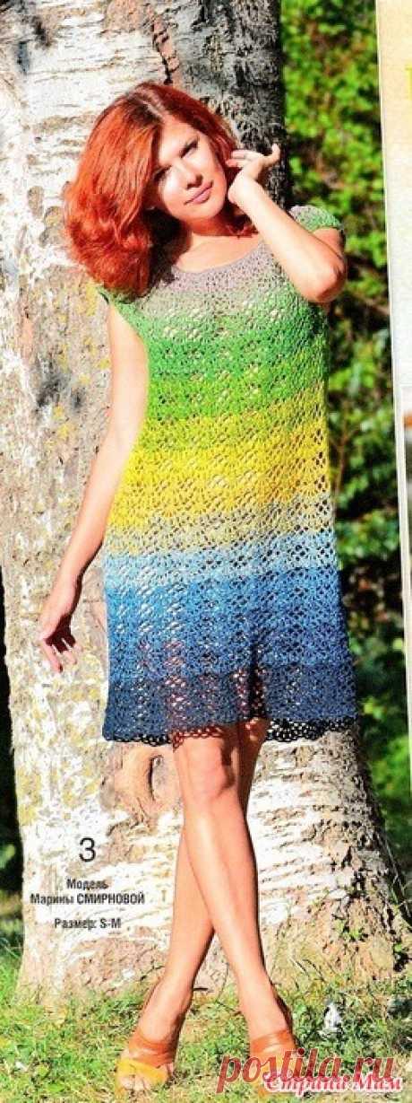 Ажурное платье Это милое ажурное платьице напоминает хвост королевского павлина - такое же яркое и завораживающее. Девочки, схема маленькая. Это недостаток сайта СМ - некачественное увеличение изображений.