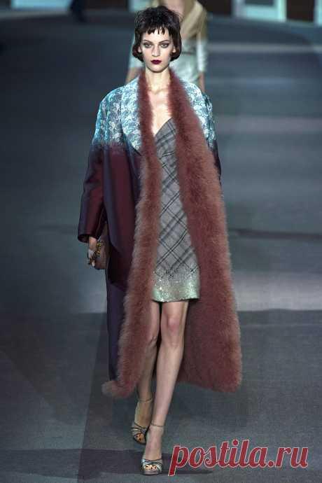 1366889079_paris_fashion_week_a_collection_of_louis_vuitton_fall_winter_2013_2014_37.jpg (800×1200)