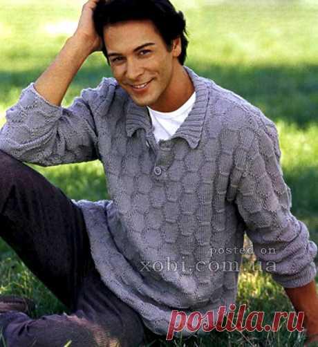 Мужской пуловер с воротником поло спицами-простой, деловой.