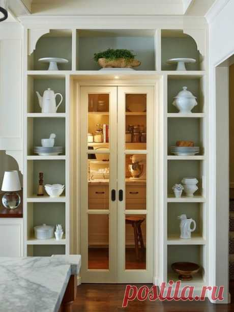 Шкаф вокруг дверного проема: фото-идеи для организации пространства