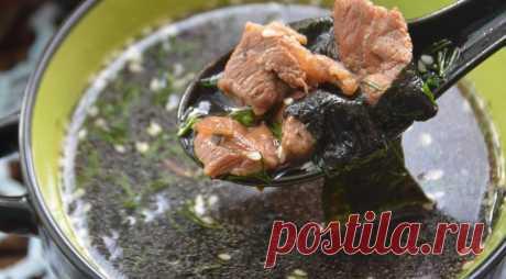 Холодный суп из морской капусты - ПУТЕШЕСТВУЙ ПО САЙТУ. О пользе морской капусты можно написать целые тома. Однако к чему будут все хвалебные слова, не лучше ли просто приготовить беспроигрышный рецепт холодного супа ИНГРЕДИЕНТЫ морская капуста 50 г свинина 100 г соевый соус 5 ст.л. уксус 3 ст.л. вода 6 ст.л. чеснок 1 ч.л. масло растительное 2 ст.л. соль …