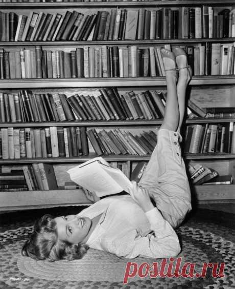 Сколько нужно читать в день, чтобы жить долго и в здравом уме? Говорит нейробиолог   SportChic   Яндекс Дзен