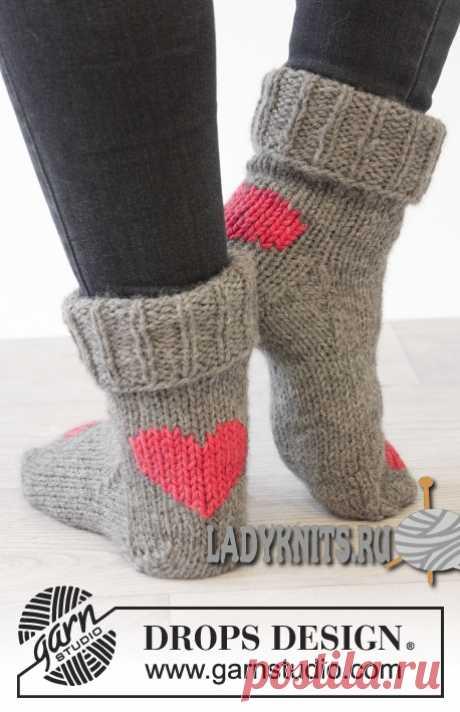 """Knitted spokes socks \""""Dance of Heart\"""""""