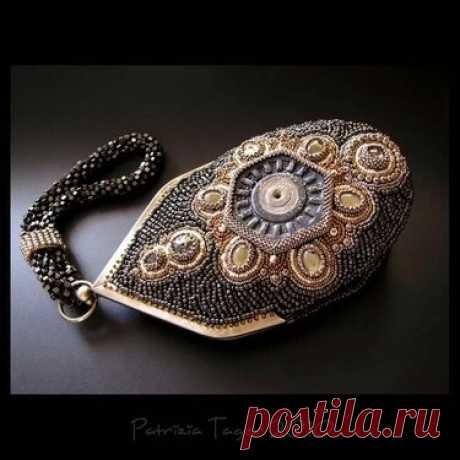 «Beaded Bag Beaded purses, Beaded bags, Beaded clutch» — карточка пользователя Майя М. в Яндекс.Коллекциях