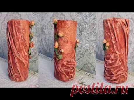 Ваза из пластиковой бутылки, декорированная тканью и сушеными розами
