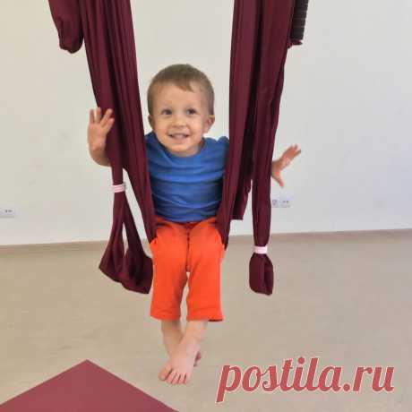 Аэройога для мамы в декрете – бэби йога Йога и фитнес в гамаках Аэро йога СПБ