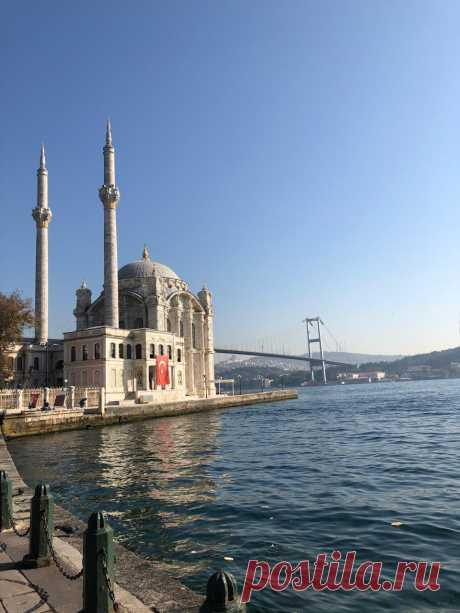 Мечеть Ортакей на воде, на Босфоре