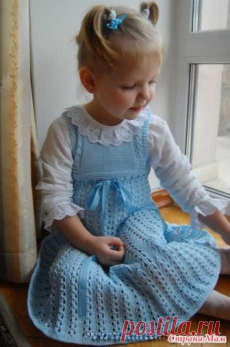 Голубой ажурный сарафан Девочки, всем приветик.  Зовут меня Светой если кто со мной не знаком. Ко мне можно на *ТЫ*, на *ВЫ* как кому удобней и проще.