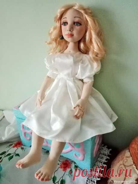 МК рук и ног, сборка текстильной девушки | Разнообразные игрушки ручной работы Продолжение прежних топиков о МК головы и туловища текстильной куклы в скульптурной технике. Напоминаю, что эта экспериментальная работа по пошиву куклы, прежние куклы несколько отличались по способу выполнения. Выкройки рисовала сама, корректировала после пошива прежних кукол. Вы...