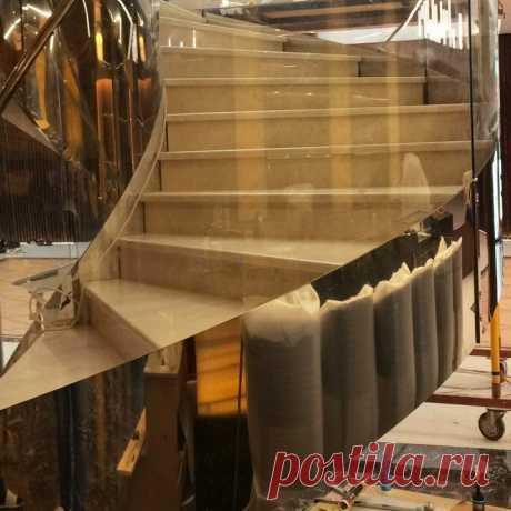 Моллированные стеклянные ограждения