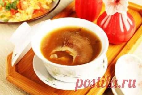 5 самых необычных супов Китая Странных супов в Китае предостаточно. Знакомясь с некоторыми специалитетами, кажется, что в Поднебесной могут съесть все что угодно, лишь бы это варилось в бульоне. В меню некоторых ресторанов можно встретить к примеру, суп из осла или суп из плаценты дикого оленя...