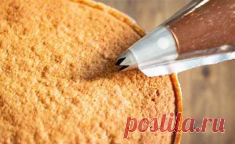 Главная фишка пьемонтского торта: тонкости орехового крема Это тот самый случай, когда одним кусочком ограничиться просто невозможно, да и не хочется ограничиваться! Сегодня мы научимся готовить изумительный ореховый крем, без которого настоящий Tarte piémontaise ни за то не получится. Хотите знать, как  испечь пьемонтский торт?  Тогда надо сделать крем для торта с лесными орехами по моему простому пошаговому  рецепту с фото