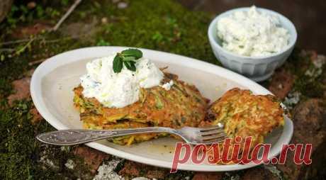 Кабачковые оладьи с творожным кремом | Вкусные рецепты