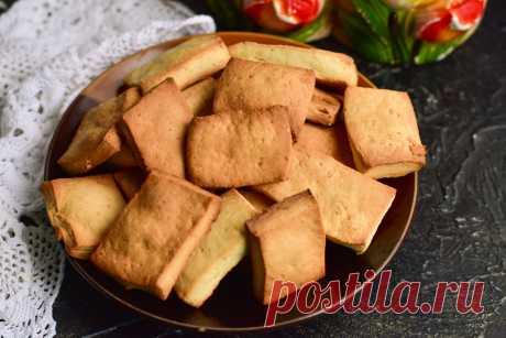 Медовое печенье - целая тарелка вкусной выпечки за 30 минут Медовое печенье – это выпечка, которую можно приготовить без особых трудностей. Получается оно в меру сладким, довольно сытным и ароматным.