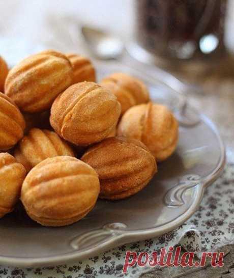 Простейший рецепт приготовления печенья «Орешки». Лакомство, которое не надоедает!