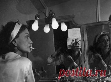 coco-chanel-la-polo-lapolo-fashion-designer-little-black-dress-jersey_cover.jpg (1360×1000)