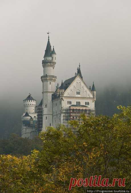 Золотая осень в замке Нойшванштайн (Фюссен, Германия)