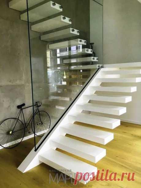 Изготовление лестниц, ограждений, перил Маршаг – Консольные лестницы со стеклянным ограждением