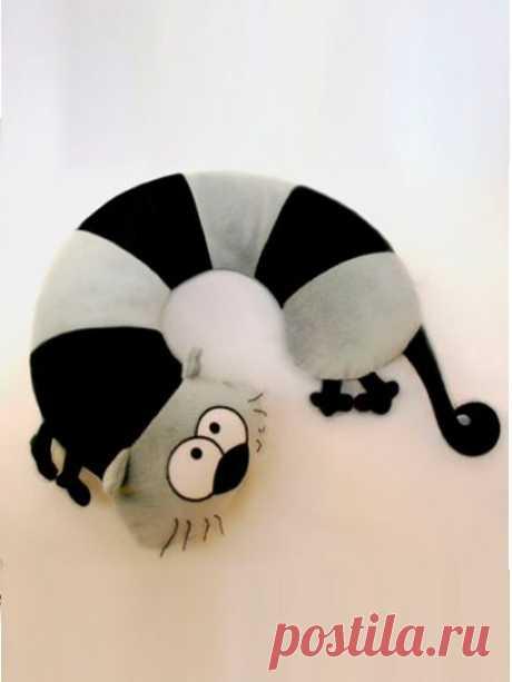 👌 Подушки-зверушки 11 выкроек, увлечения и хобби Декоративные подушки— это моя слабость. Я уже не раз упоминала об этом в своих топиках. На мой взгляд, всего одна симпатичная подушка, брошенная на диван, добавляет интерьеру особ...