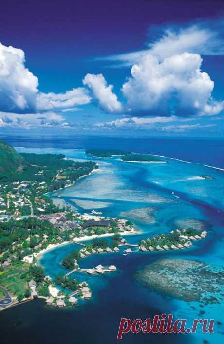 Остров Муреа славится своей красивейшей природой, богатством рельефа, отличным дайвингом. Он почти полностью окружен коралловым рифом. Муреа, Французская Полинезия