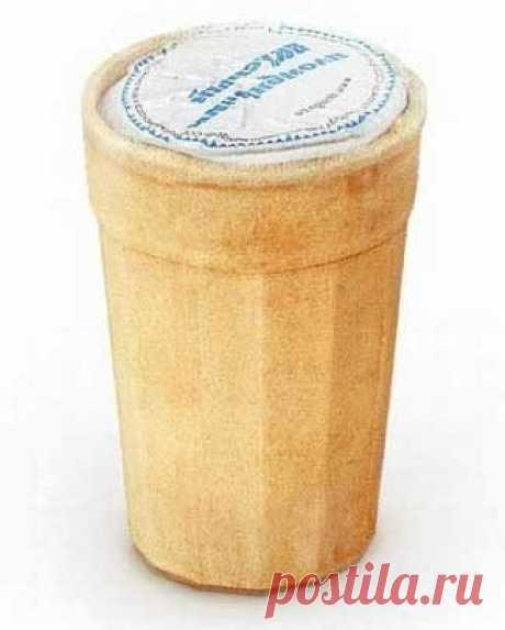 Потрясающий рецепт домашнего мороженого со вкусом советского пломбира. Фантастически вкусно!   Ингредиенты  2 ст. сахара 1 л молока 100 г сливочного масла 1 ч. л. крахмала 5 яичных желтков
