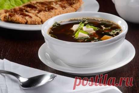 """Рецепт супа мисо от Шефмаркет Мисо суп — традиционное блюдо, относящееся к японской кухне. Своему названию суп обязан наличию в нем особой пасты """"мисо""""."""
