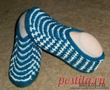 Very lazy slippers\u000aDescription: http:\/\/nitkoj.ru\/noski-tapki\/1907-ochen-lenivye-tapki.html