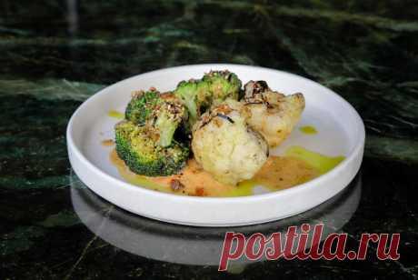 Цветная капуста и брокколи с ореховым соусом рецепт – веганская еда: закуски. «Еда»