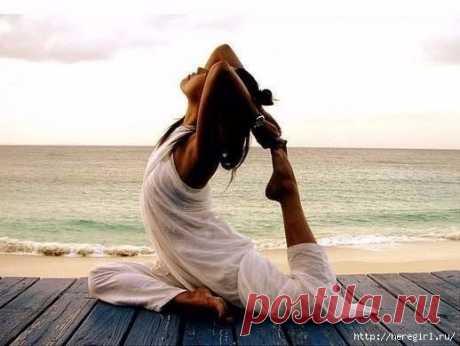 12 упражнений из йоги, которые обеспечат вам крепкий и здоровый сон