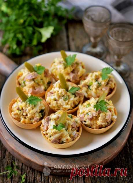 Тарталетки с печенью трески и плавленым сыром — рецепт с фото пошагово
