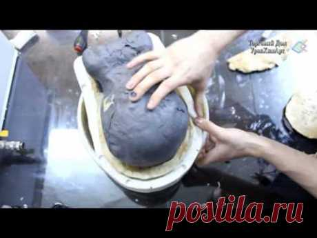 Creation of a casing for a silicone form