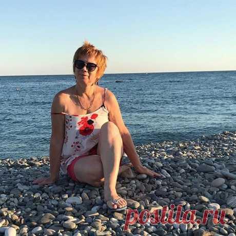Пляжная жизнь! 📣Самый чистый пляж в Большом Сочи это пляж отеля Бархатные сезоны. +отличная набережная с велодорожками!😁😁Ты мне нравишься, Сочи! 🤣🤣🤣#ленивыевареники #море #taniabelowa👣❤️ #taniabelowa #путешественник #морепродукты #морезакат #сочи#путешествия #турклуб #путешествиясдетьми #путешественники#бархатныесезоны