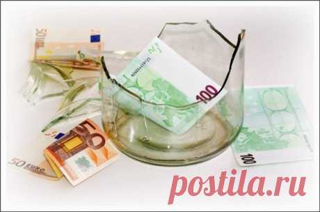 Как вернуть деньги с депозита, если банк разорился / Как сэкономить