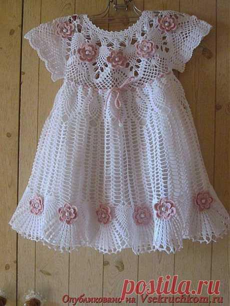 Вязание: красивое платье для девочки.
