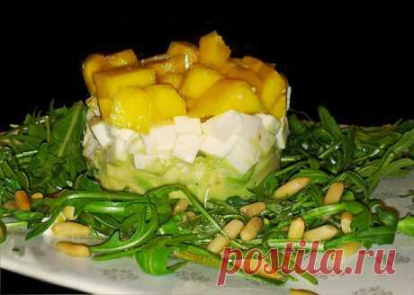 Салат с авокадо, моцареллой и манго — Пошаговые кулинарные рецепты Юлии Дин