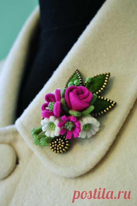Made with hat felt and brass zipper | Flickr - Photo Sharing!