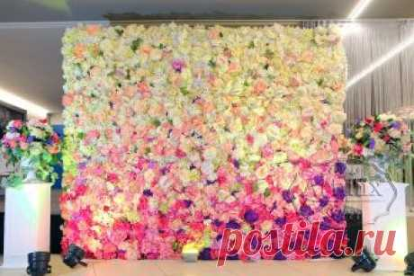 Фотозона из цветов на свадьбу   Свадебные декорации в аренду - Артмикс Декор