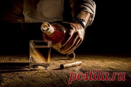 От какого спиртного запах алкоголя держится дольше всего? Расчет по часам | Безумный бармен | Яндекс Дзен