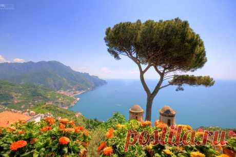 Вид на побережье Амальфи от Равелло, Италия