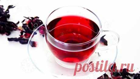 Целебные свойства чая Каркаде  По своим целебным свойствам чай Каркаде не имеет себе равных Чай Каркаде укрепляет капилляры, способствует понижению кровяного давления, снижает уровень холестерина, обладает антибактериальным дейст…