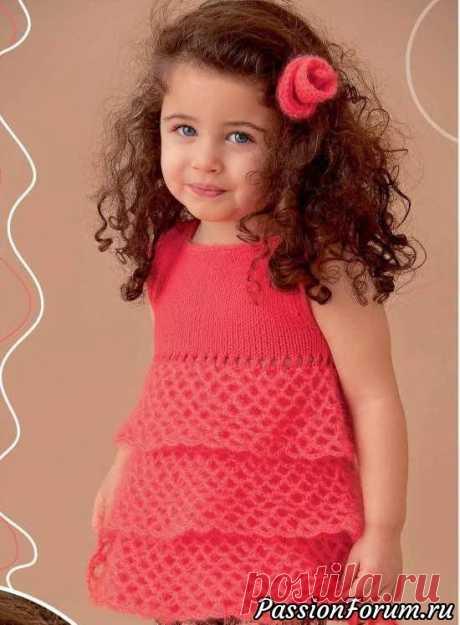 Платье и заколка для девочки. МК | Вязание спицами для детей Яркое платье для девочки связанное спицами и красивая заколка - маленькая принцесса готова. Вязание спицами и крючком для детей.Размеры:86/92 (98/104)Вам потребуется:100 г красной (цв. 105) пряжи Elastico (96% хлопка, 4% полиэстера, 160 м/50 г) и 50 г красной (цв. 55) пряжи Silkhair (70%...