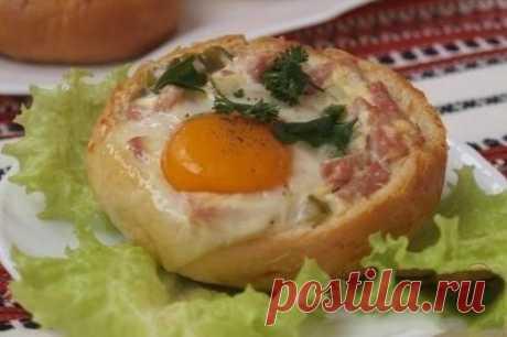 Закусочные булочки с яичницей в духовке, рецепт — Вкусо.ру