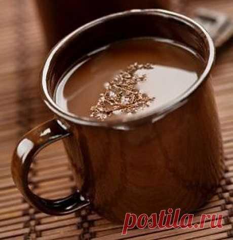 Приготовление горячего шоколада.