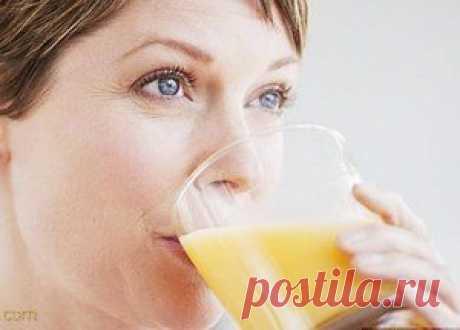 Картофельный сок: свойства, как использовать для лечения и красоты Какими полезными свойствами обладает картофельный сок, как его использовать для лечения в домашних условиях и для косметических процедур, видео