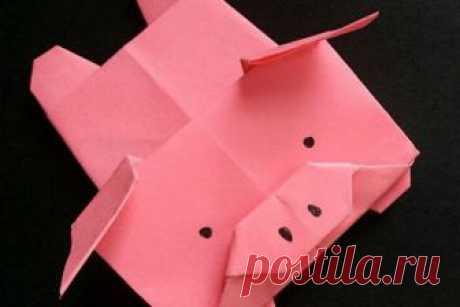 Как сделать поросенка оригами своими руками Символ 2019 года, поросенок - актуальная поделка накануне зимних праздников. Из чего же можно сделать поросенка своими руками? Например, из бумаги, самого распространенного материала, который найдется в каждом доме.