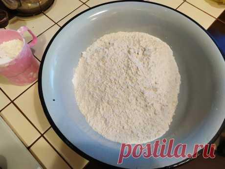 В тесто пельменное надо добавлять уксус и масло: лепщица поделилась рецептом | Ponchik_Life | Яндекс Дзен