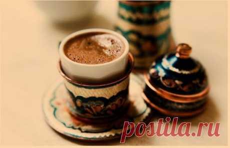 Кофе в турке: секреты варки и лучшие рецепты из разных стран Сегодня мы решили рассказать, как правильно сварить идеальный кофе в турке, соблюдая все тонкости приготовления этого напитка