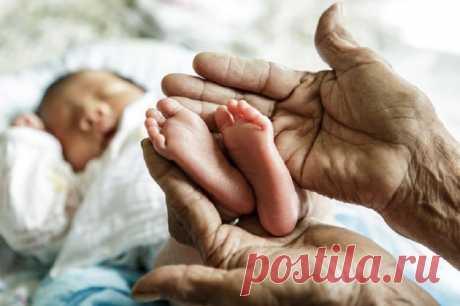 Бабушка по материнской линии: почему ее роль так важна в жизни каждого ребенка?